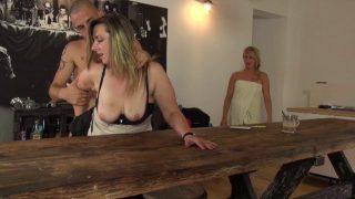 Un dépucelage anal en vidéo porno