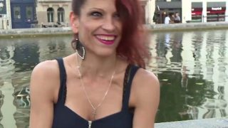 Jeune femme coquine à Tarbes