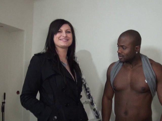 Porno français avec un gros black mouilleur de petites culottes